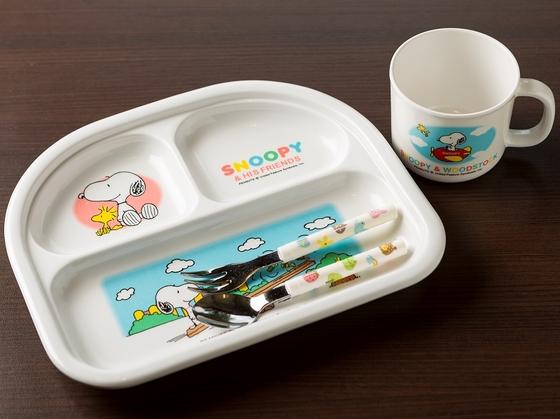 子供用食器。