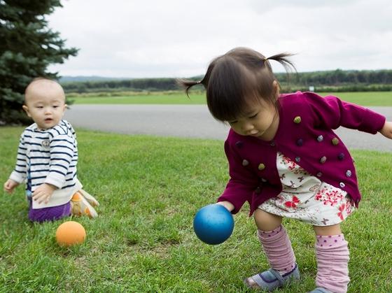 小さなお子様も自然の中でのびのびと遊べる。