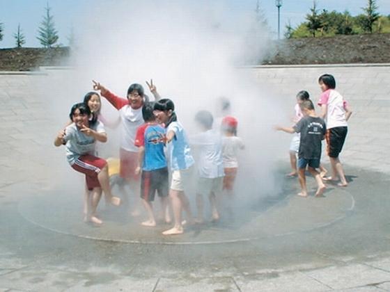 十勝エコロジーパークの水と霧の遊び場。ホテルから車3分。