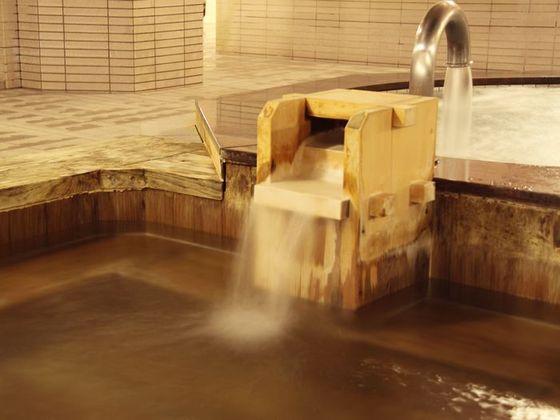 檜風呂で心身ともにリラックス