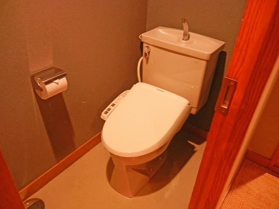 お部屋についているトイレです。