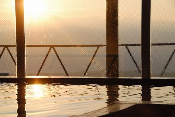 温泉に浸かりながら見ることが出来る絶景の朝日
