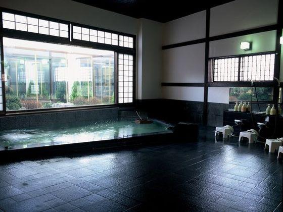 ゆったりと温泉を楽しむ「季の湯」 ともに朝夜で男女入れ替え制です