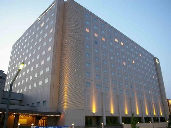 夜のホテルは幻想的