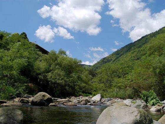 青空と須雲川