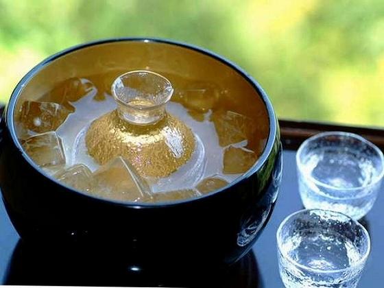 地酒をはじめ、お料理に合う酒も各種用意致しております。