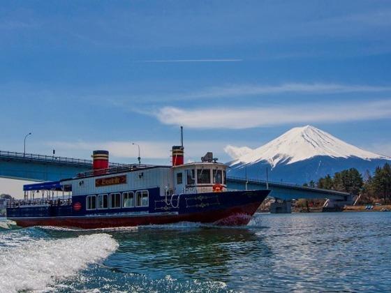 河口湖遊覧船アンソレイユ号でクルージング♪