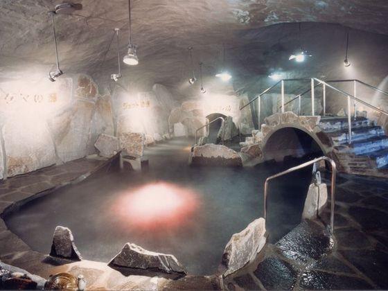水着で入る洞窟風呂