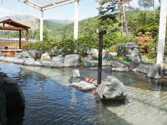 四季の風景を楽しむことができる露天風呂