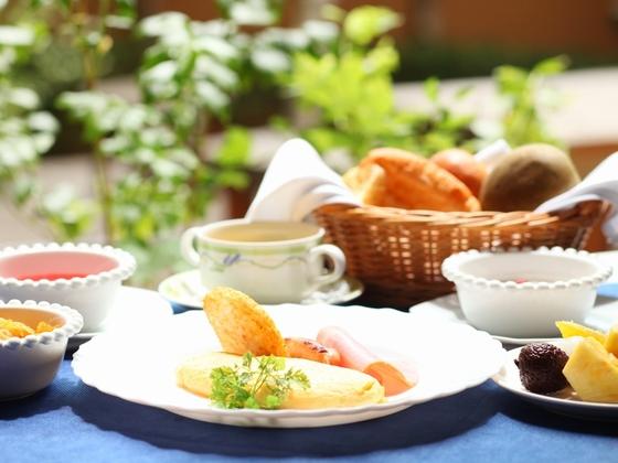 【朝食例】ふわっ♪とろっオムレツが大好評!お子様は同メニュー