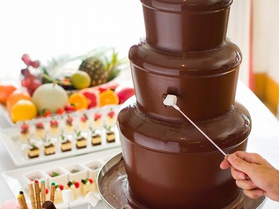 ディナーバイキングではチョコレートファウンテンをご用意