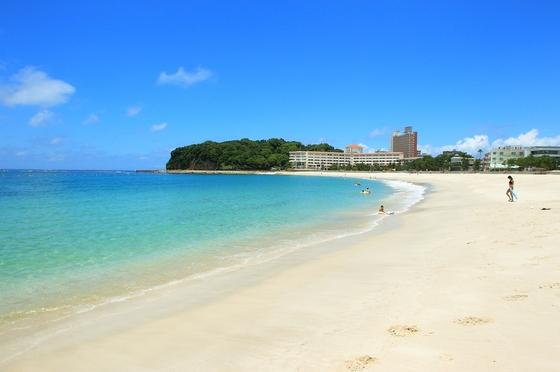 白良浜まで徒歩1分。四季の白良浜をお楽しみいただけます。