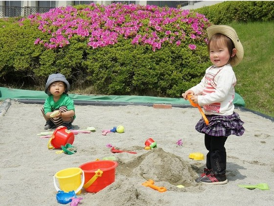 砂の国(プールサイド)お子様も安心、抗菌サンドを使用した砂場