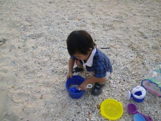 砂遊びセット無料貸出。お子様夢中です!!