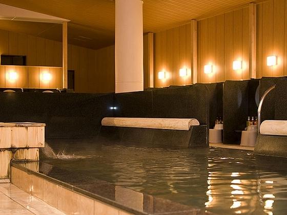 木造り大浴場「渓谷の湯」