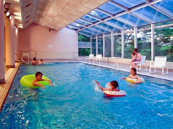 室内温水プール(期間限定オープン)