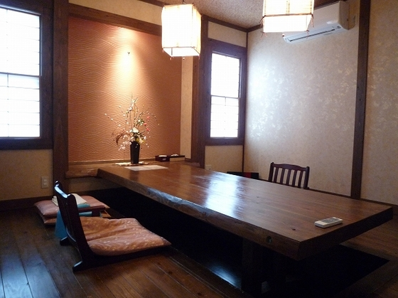 『美月』には専用食事室も併設されております。