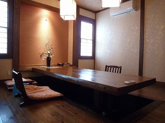 お食事は、食事専用個室でゆったりと