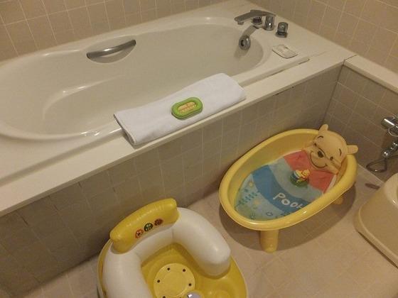 お子様連れには嬉しい洗い場付のバスルームは海外では珍しいです