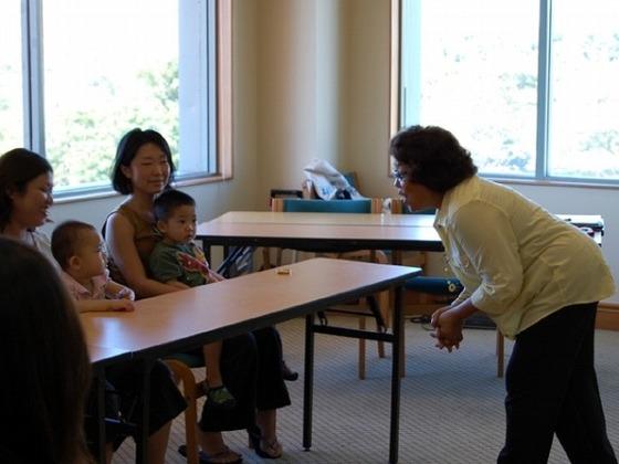お子様の英会話教室・ろうけつ染め・ヨガなどの教室があります