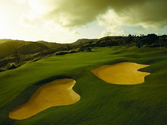併設する36ホールのグアム屈指のゴルフ場がございます