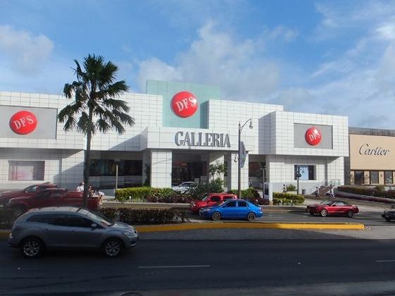 グアム最大の免税店DFSギャラリアまで無料バスがあります