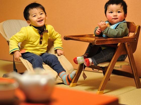 完全個室のお食事処。お子さま椅子やバウンサーもご準備。
