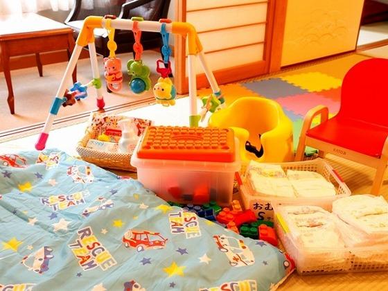 滞在中のおむつは部屋に備え付け。お子さま用の物品も充実。