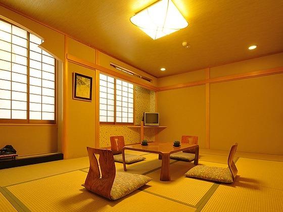 「ウェルカムベビーのお宿」認定の標準12畳和室です。