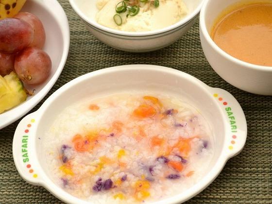 朝食メニュー例:おかゆなど離乳食にご利用頂けます
