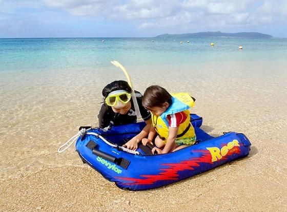 【フサキビーチ】窓付きボートなら小さなお子様も楽しめます♪