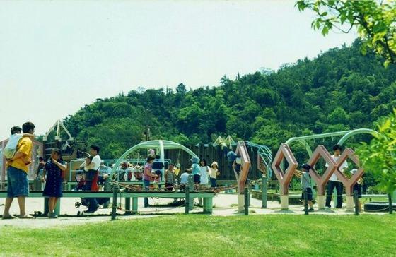 道の駅「深山公園」にあるお子様向け広場(車で30分)