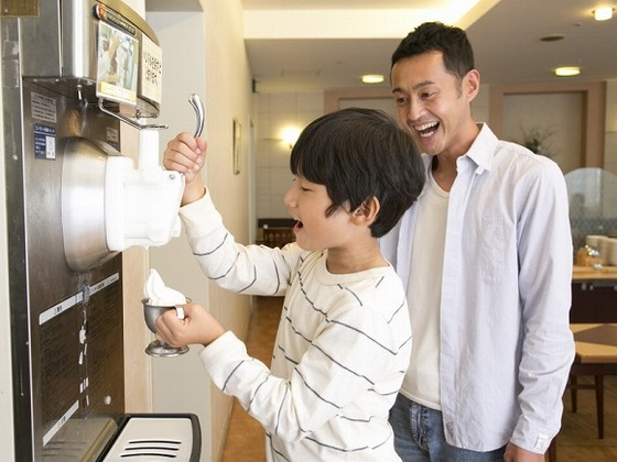 朝食では、子供が大好きなソフトクリームも♪