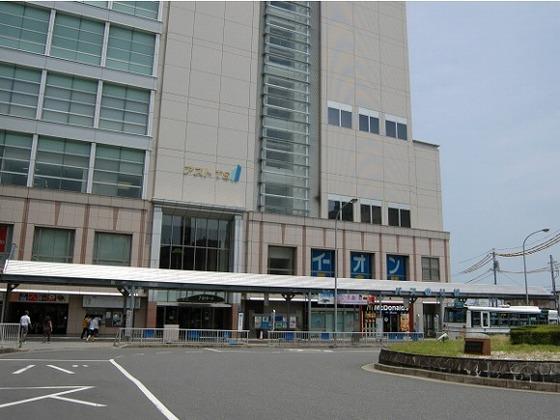 近鉄「津」駅東口より徒歩1分の好アクセスです!