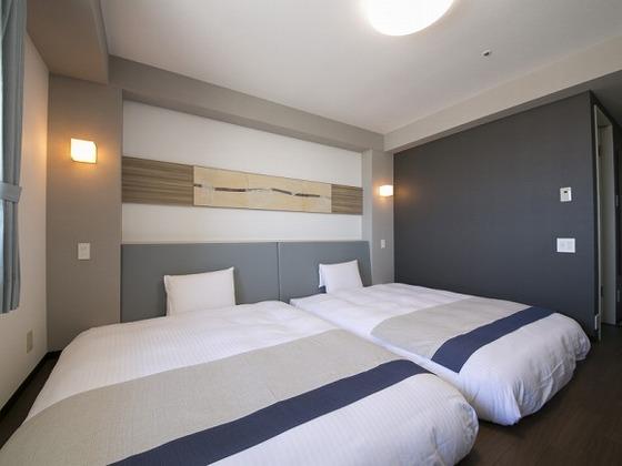 160cmベッドをくっつければ、ご家族でもゆったりお休み。