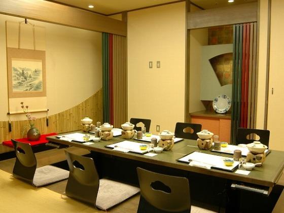2F和食レストランには個室もございます。(堀ごだつ)