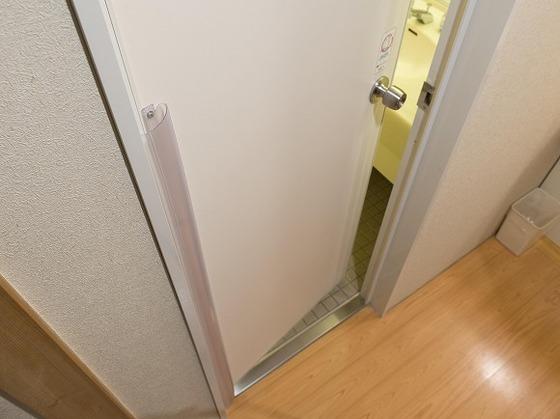指を挟まないように安全用のカバーを設置