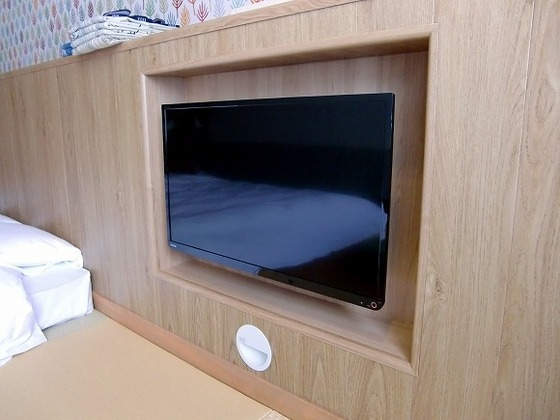 はめ込み式のテレビでお部屋を広くすっきりと