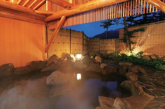 滞在中のお客様は無料で利用できる温泉大浴場