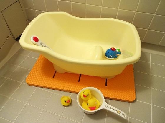 お風呂用おもちゃやベビーバスの貸し出しも行っております