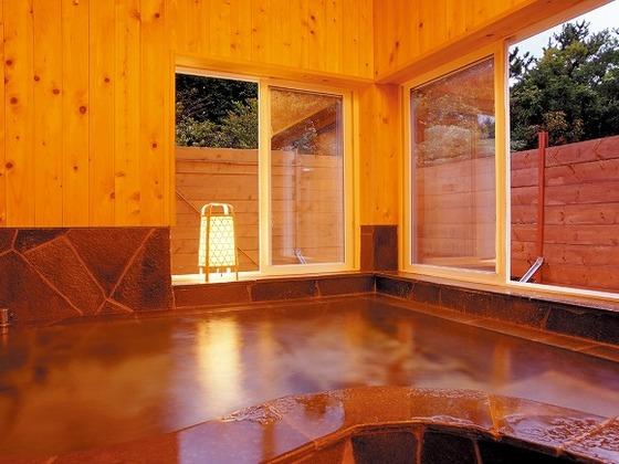 天然温泉の貸切家族風呂が3か所。空いていればいつでも使用可能