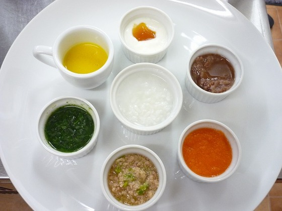 菜園野菜などの多様した離乳食(中期)。アレルギーも対応可能