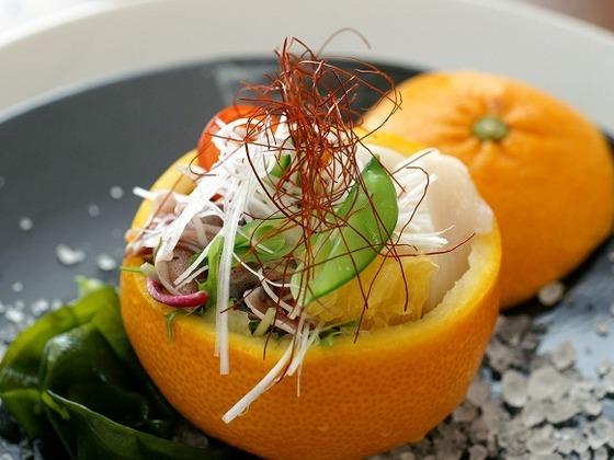 ある日の前菜(イシガキ鯛のお造り)