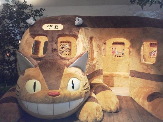 トトロ展が大人気の伊豆テディベアーミュージアム