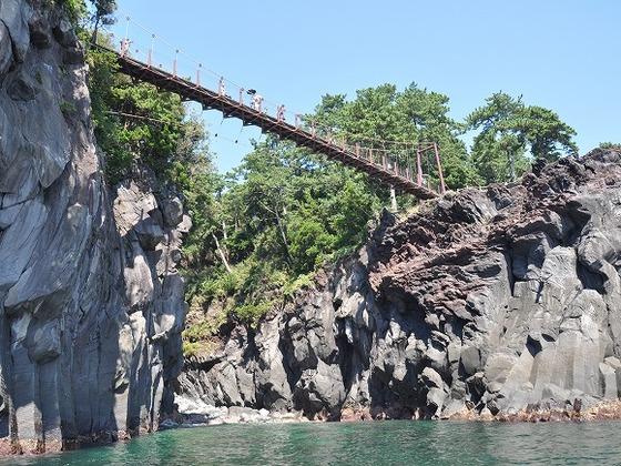 有名な城ケ崎の吊り橋