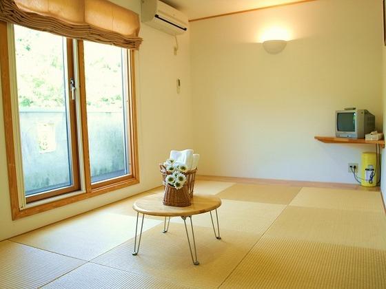 琉球畳を配置した和室。赤ちゃんも安心してゴロンゴロン