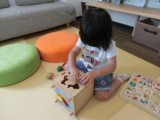 アレルバスター畳で赤ちゃんも安心です。おもちゃも完備。