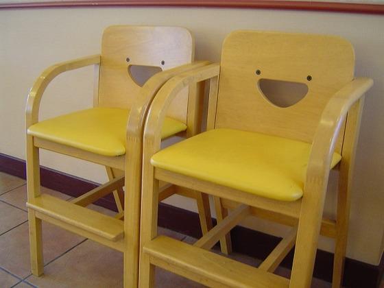 お子様用のいすをご用意しています。