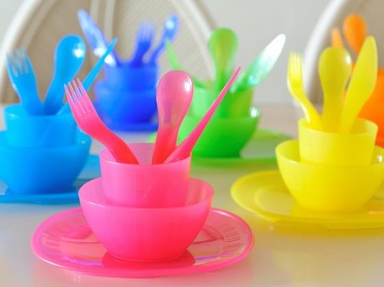 お子様用の食器をご用意しています。