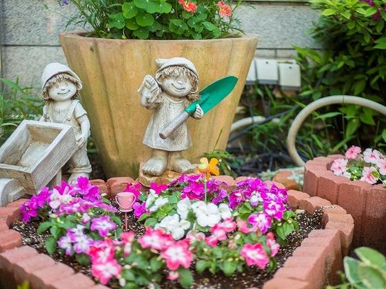 館内や玄関周辺に咲いているお花も楽しんでもらいたいです。